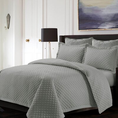 Brisbane Reversible Quilt Set Color: Silver Gray, Size: Queen