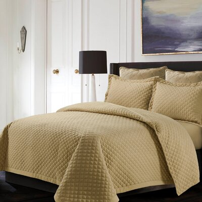 Brisbane Reversible Quilt Set Color: Cashmere, Size: King
