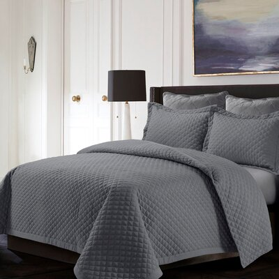 Brisbane Reversible Quilt Set Color: Gray, Size: King