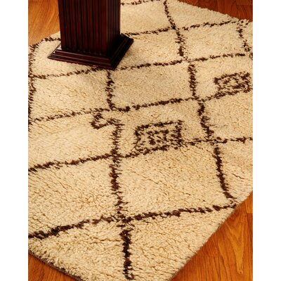 Classic Cream Geometric Area Rug Rug Size: Rectangle 6 x 9