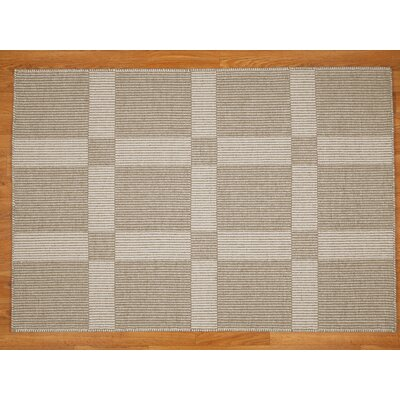 Continental Area Rug Rug Size: Rectangle 4 x 6
