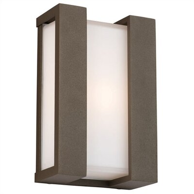 Newport Wall Sconce in Bronze