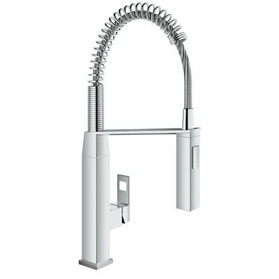 Eurocube Pull Out Single Handle Kitchen Faucet Finish: StarLight Chrome