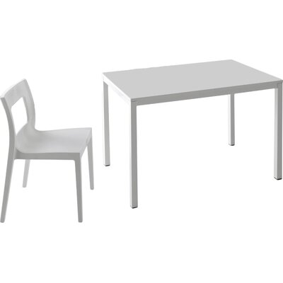 Chic Extendable Dining Table Size: 29.9 H x 33.5 W x 51 D