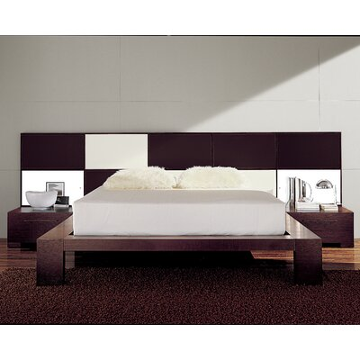 Soho Platform Bed Size: California King, Color: Leather White