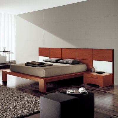 Soho Platform Bed Size: King, Color: Cherry Wood