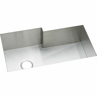 Crosstown 35 x 21 Undermount Kitchen Sink with Sink Grid and Drain Assembly