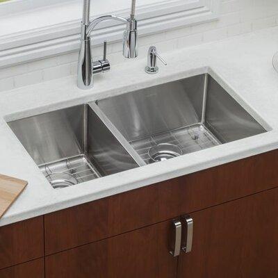 Crosstown 31.5 x 18.5 Undermount Kitchen Sink