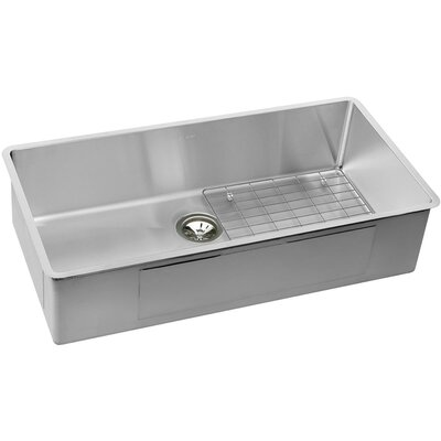 Crosstown 37 x 19 Undemrount Kitchen Sink with Grid and Drain Assembly