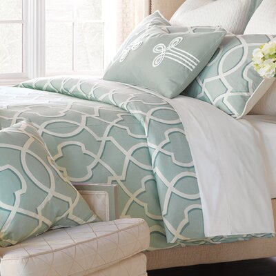 Middleton Hand Tacked Comforter Size: Queen