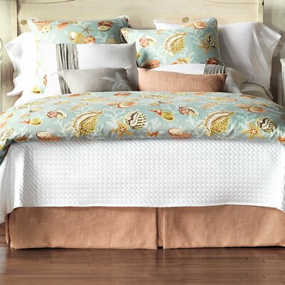 Jolie Button-Tufted Comforter Size: Queen