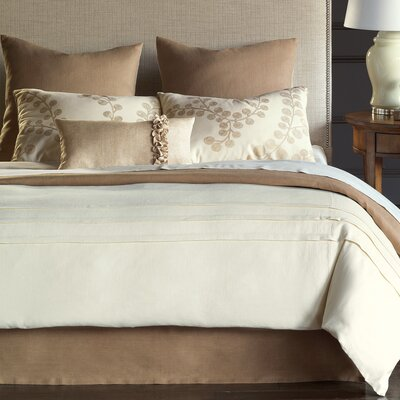 Breeze Button-Tufted Comforter Size: Queen