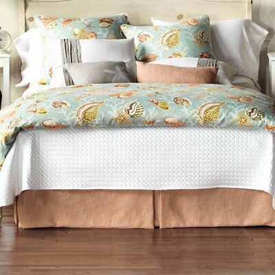 Jolie Hand-Tacked Comforter Size: Super King