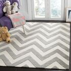 Claro Basic Chevr Hand-Tufted Gray/Ivory Area Rug Rug Size: Rectangle 5' x 7'
