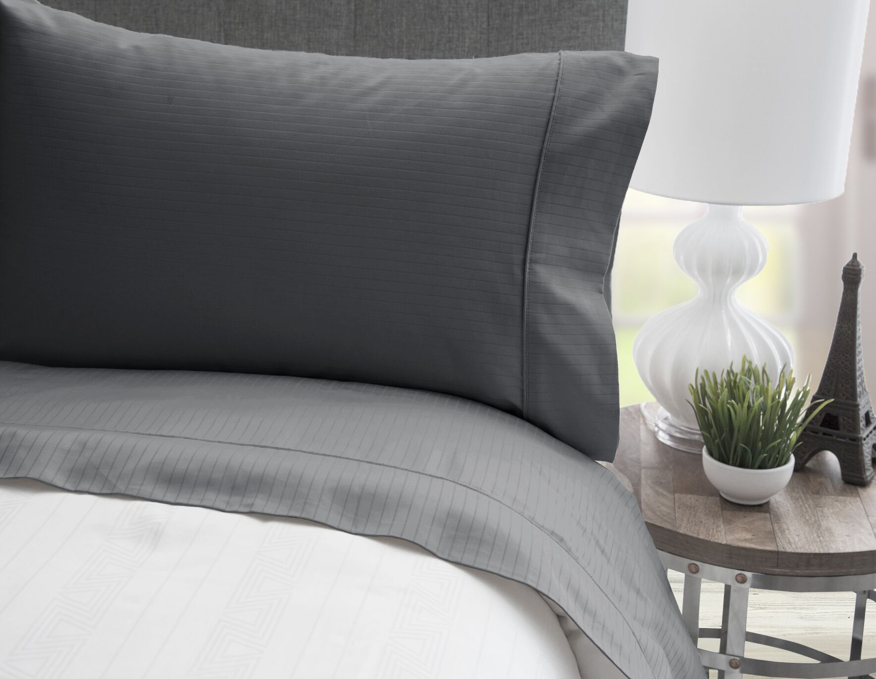 4 Piece 600 Thread Count 100% Egyptian Quality Cotton Stripe Sheet Set Size: Queen, Color: Charcoal