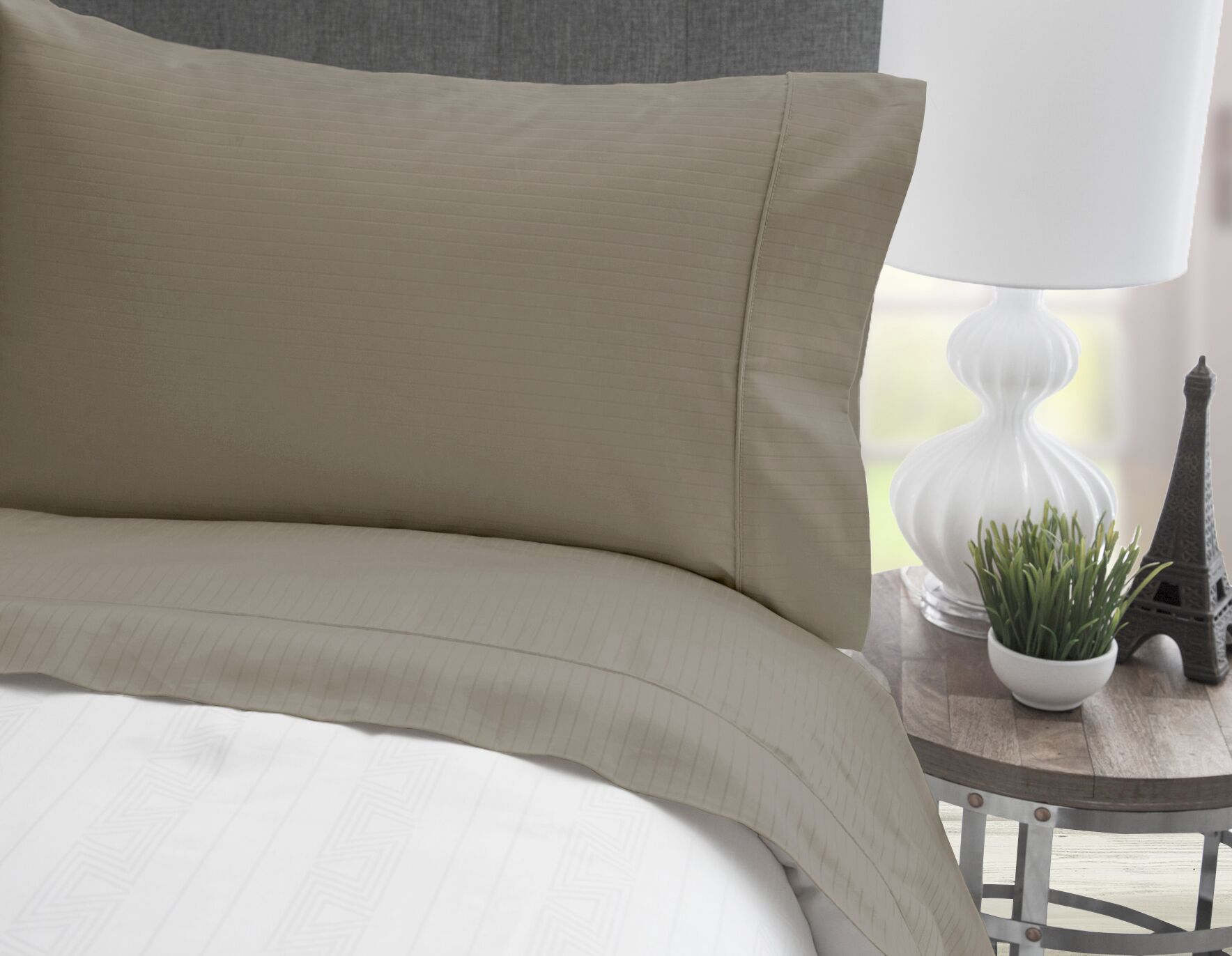 4 Piece 600 Thread Count 100% Egyptian Quality Cotton Stripe Sheet Set Size: Full, Color: Taupe