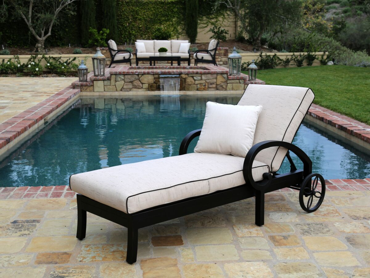 Monterey Chaise Lounge with Cushion Fabric: Frequency Sand with Canvas Walnut Welt