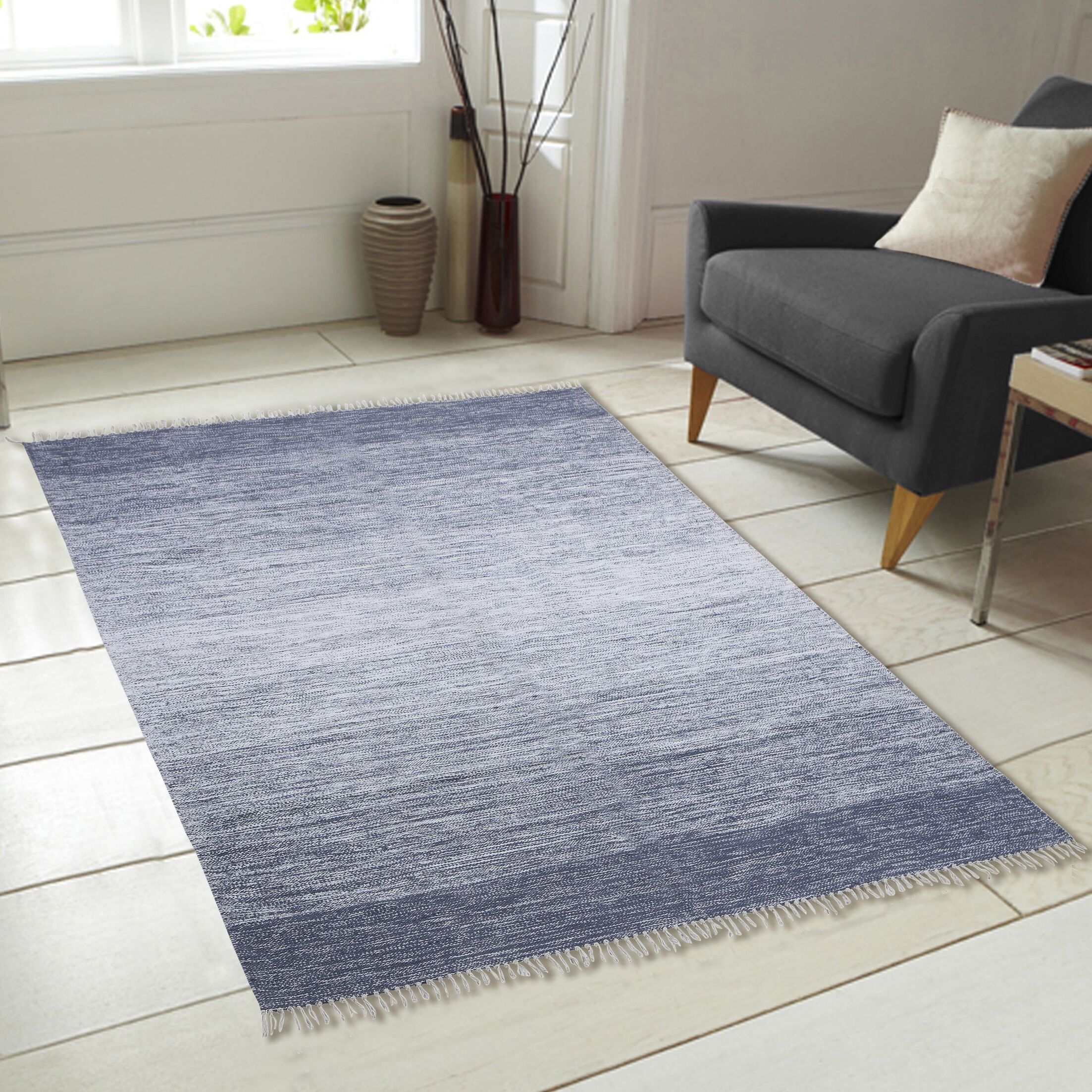 Ombre Fringe Cotton Hand-Woven Blue Area Rug Rug Size: 7'9