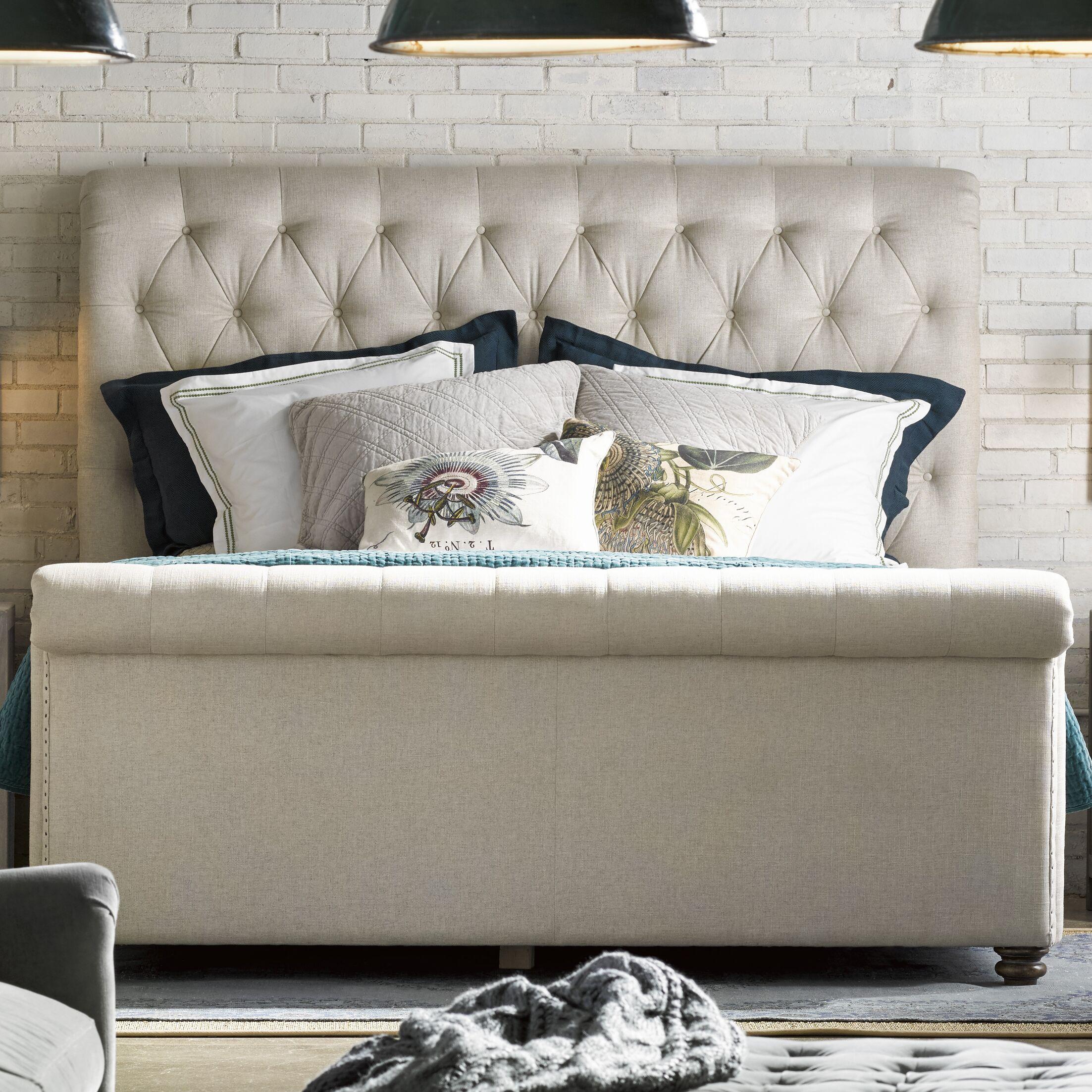 Robin Upholstered Sleigh Bed