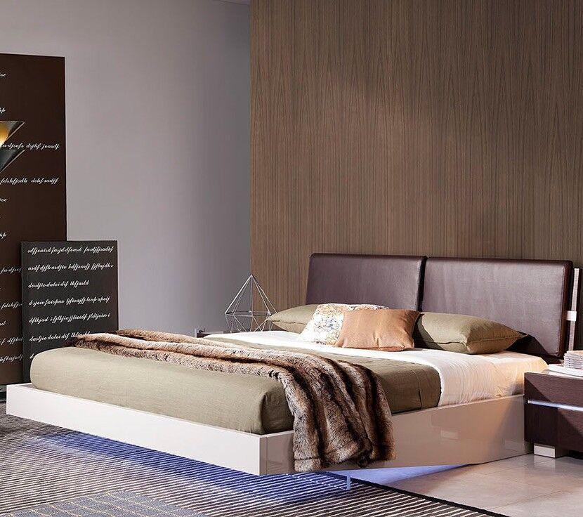 Canas Upholseterd Platform Bed Size: Queen
