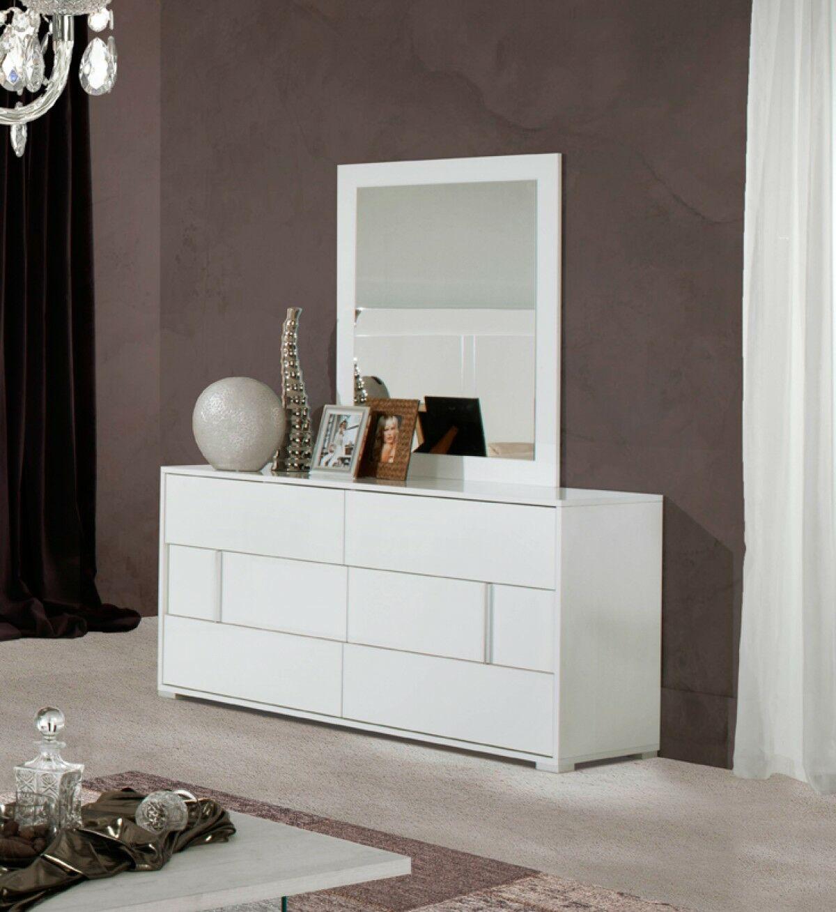 Dority 5 Piece Bedroom Set Size: King