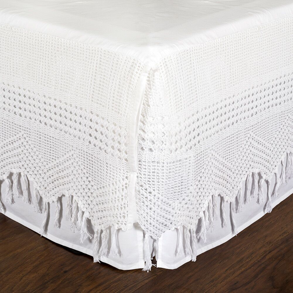 Vintage Crochet Bed Skirt Size: Queen, Color: White