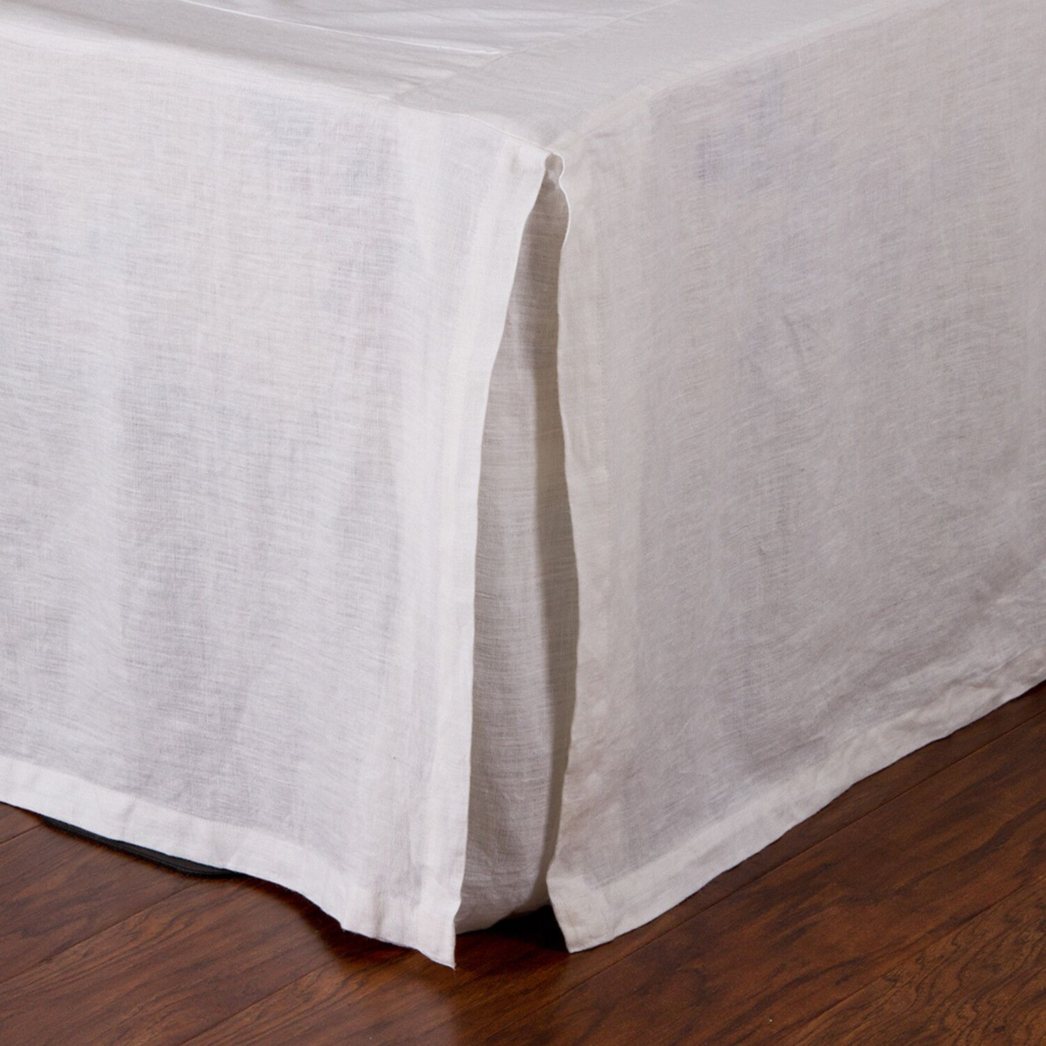 Pleated Linen Bed Skirt Size: King, Color: White