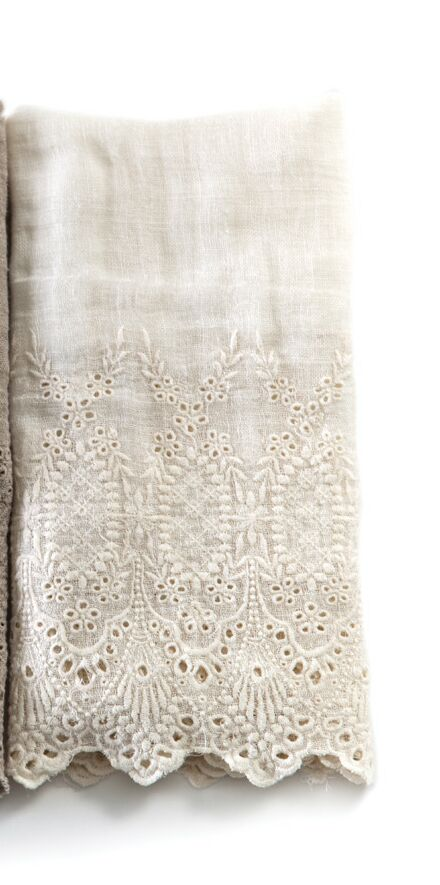 Annabelle Pillow Case Color: Cream