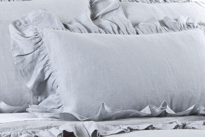 Charlie Linen Lumbar Pillow Color: Ocean
