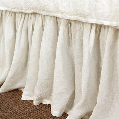 Gathered Linen Bed Skirt Size: King, Color: Cream