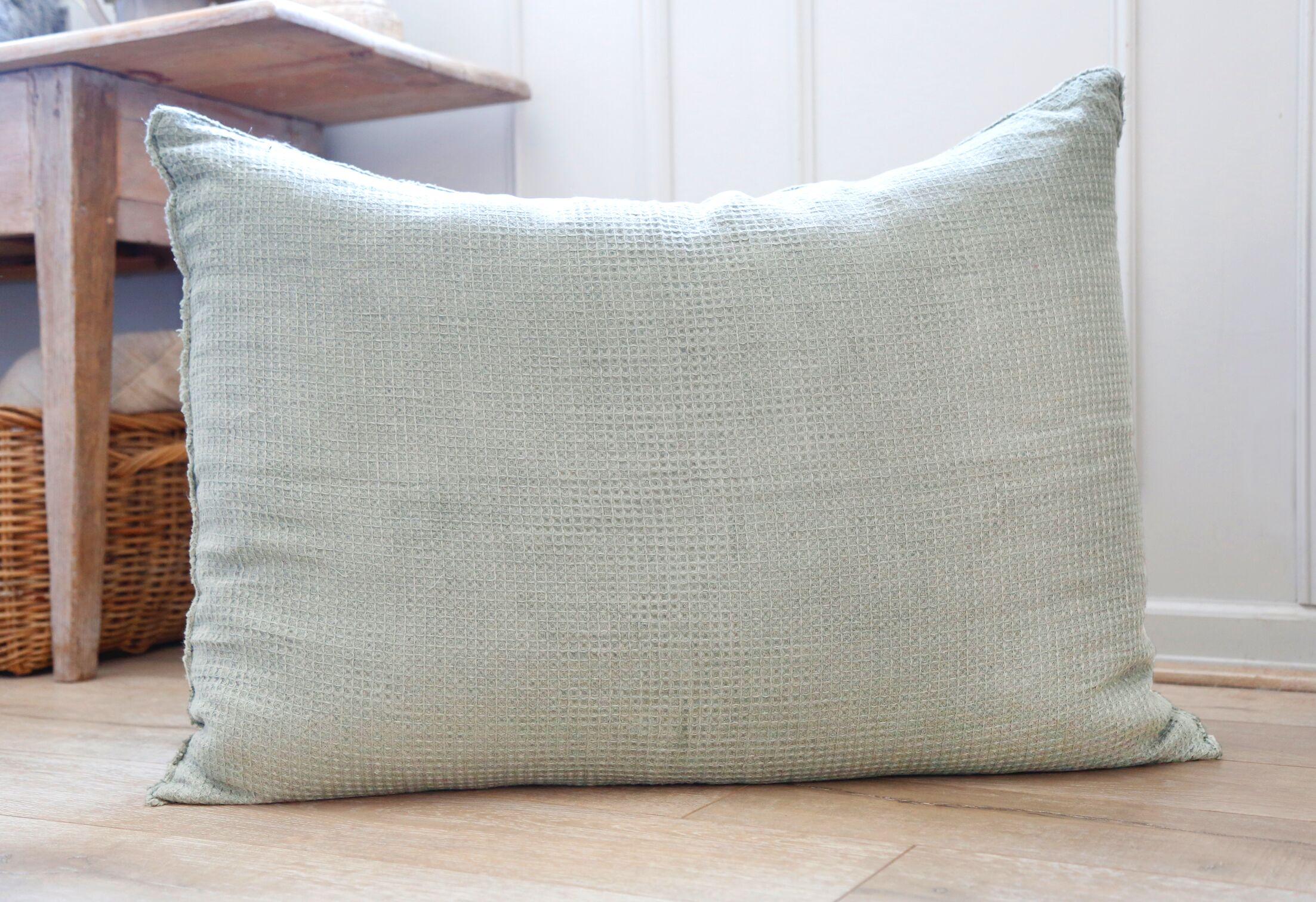 Venice Linen Throw Pillow Color: Ocean