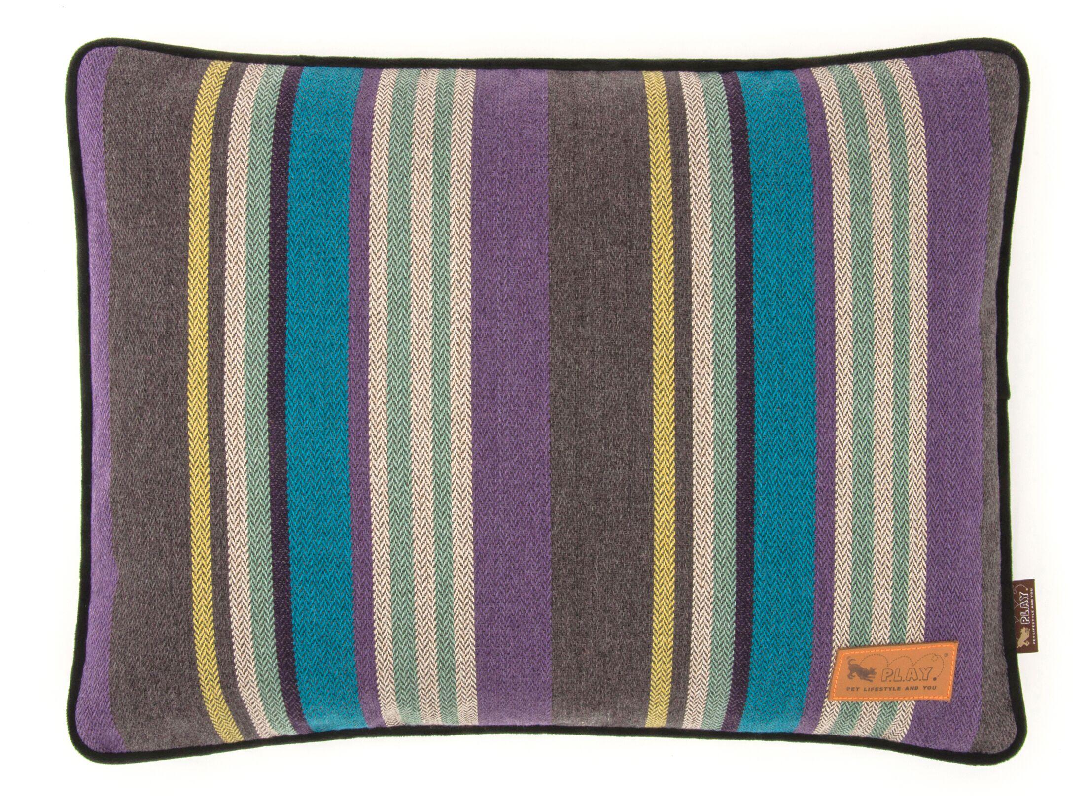 Matthew Lake Pillow Size: Medium (30