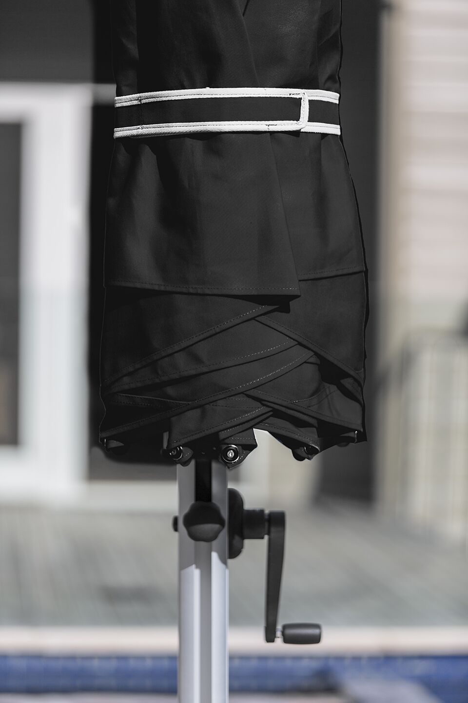 Aurora 9' Square Cantilever Umbrella Color: Black
