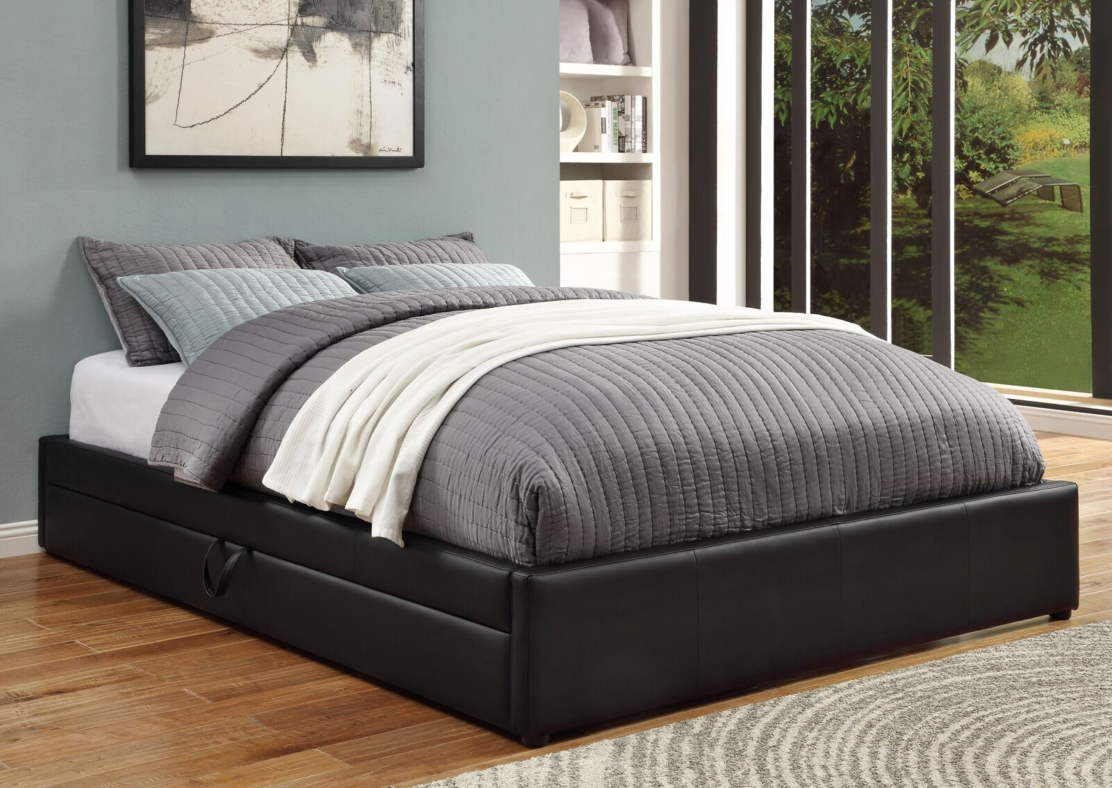 Queen Upholstered Storage Platform Bed Size: Full