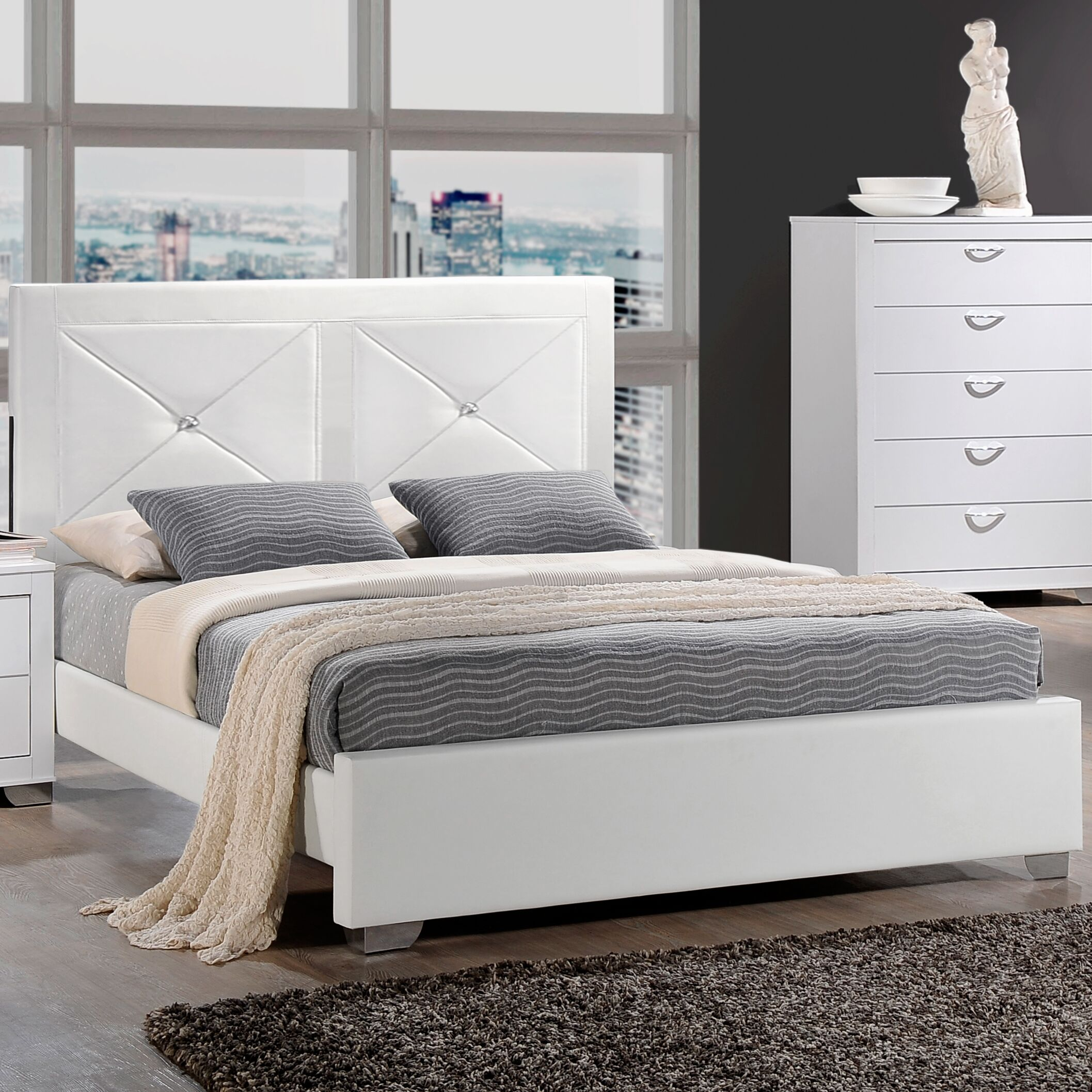 Ketterer Bed Color: White, Size: King