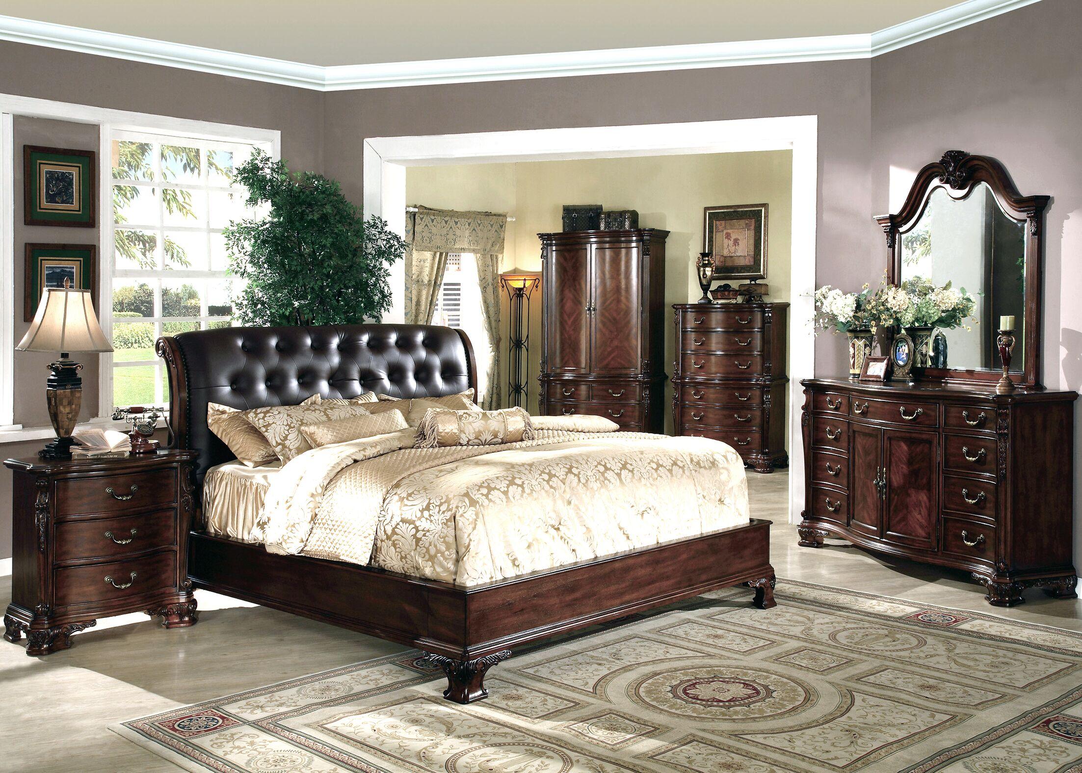 Alderwood California king Platform Bed Size: King