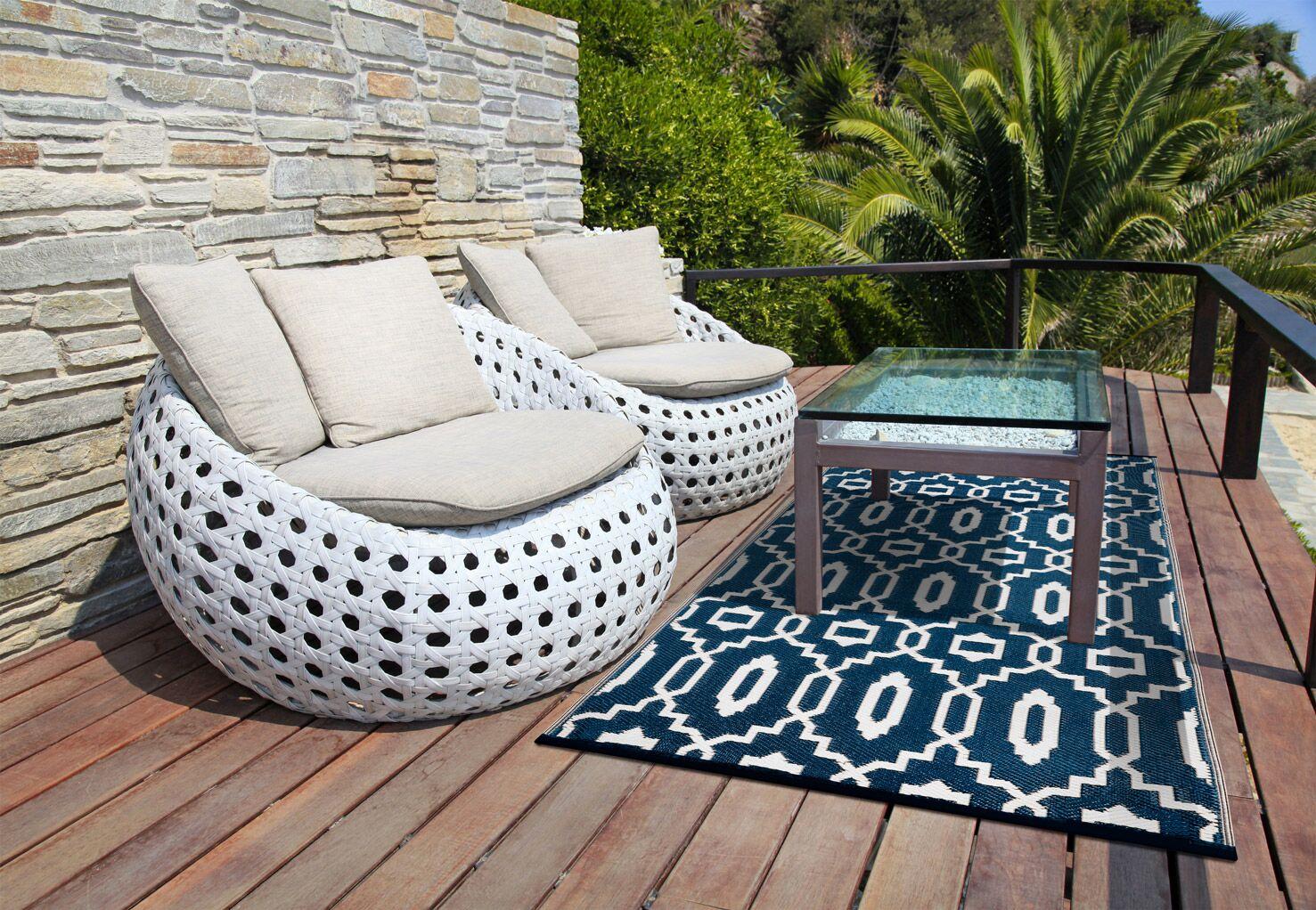 Lightweight Reversible Modern Dark Blue/White Indoor/Outdoor Area Rug Rug Size: 5' x 8'