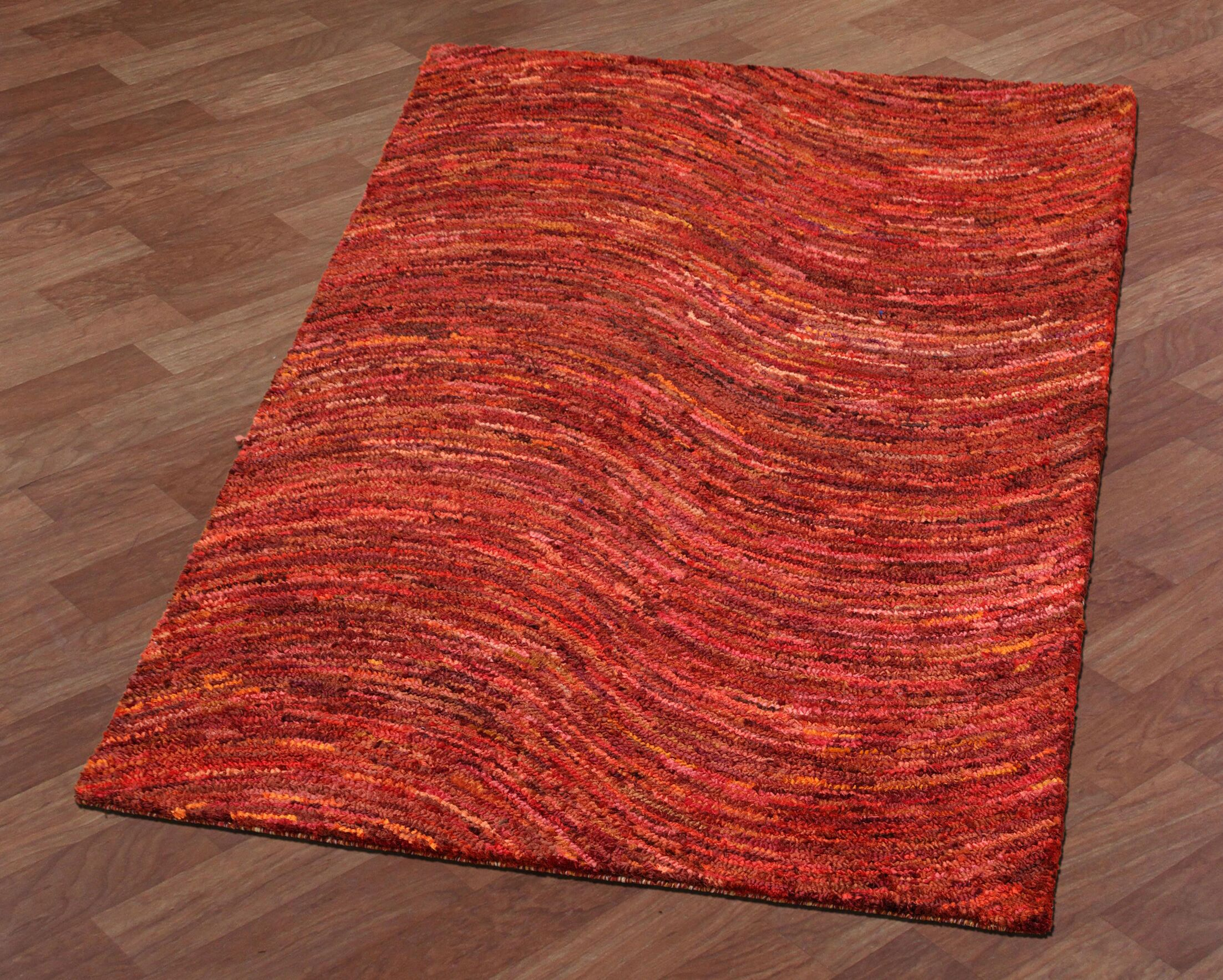 Brilliant Ribbon Wave Hand-Tufted Red Area Rug Rug Size: 4' x 6'
