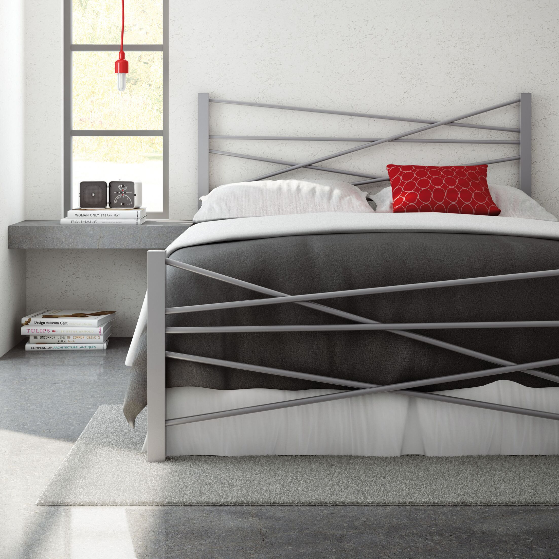 Crosston Bed Color: Textured Black, Size: Queen