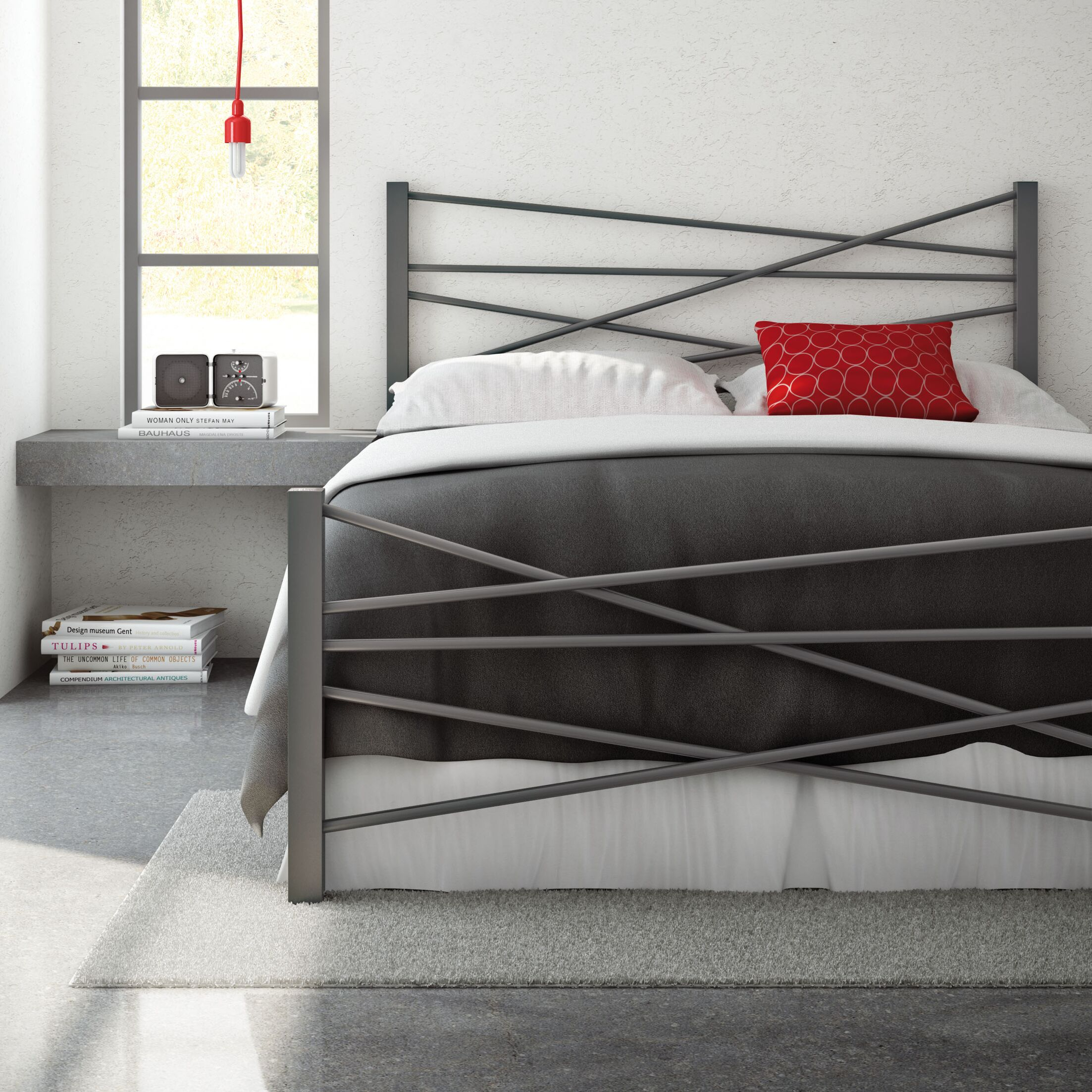 Crosston Bed Size: Full, Color: Glossy Grey