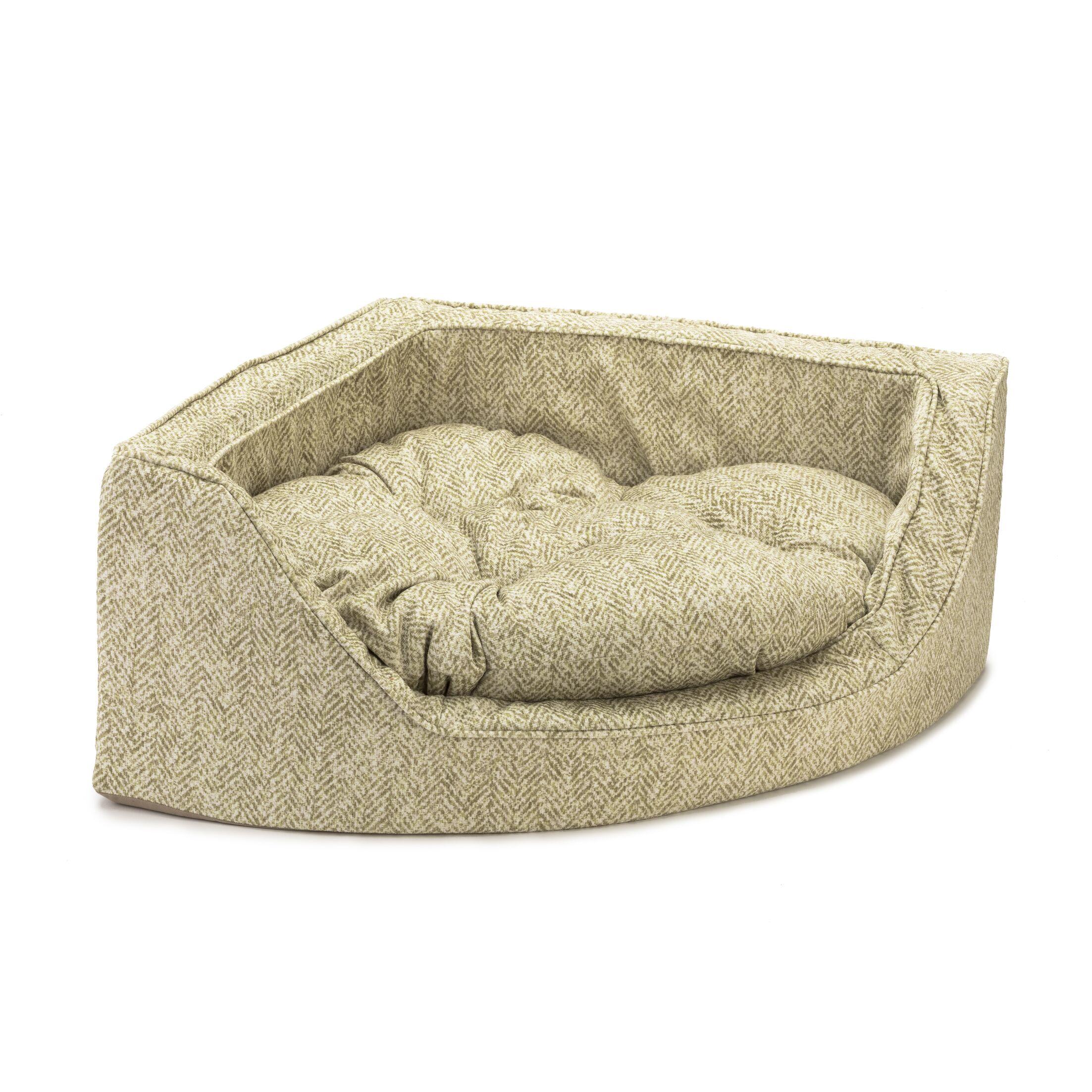 Premium Corner Bolster Dog Bed Size: Large (29
