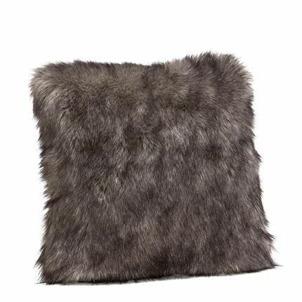 Limited Edition Wolf Faux Fur Throw Pillow Size: 18