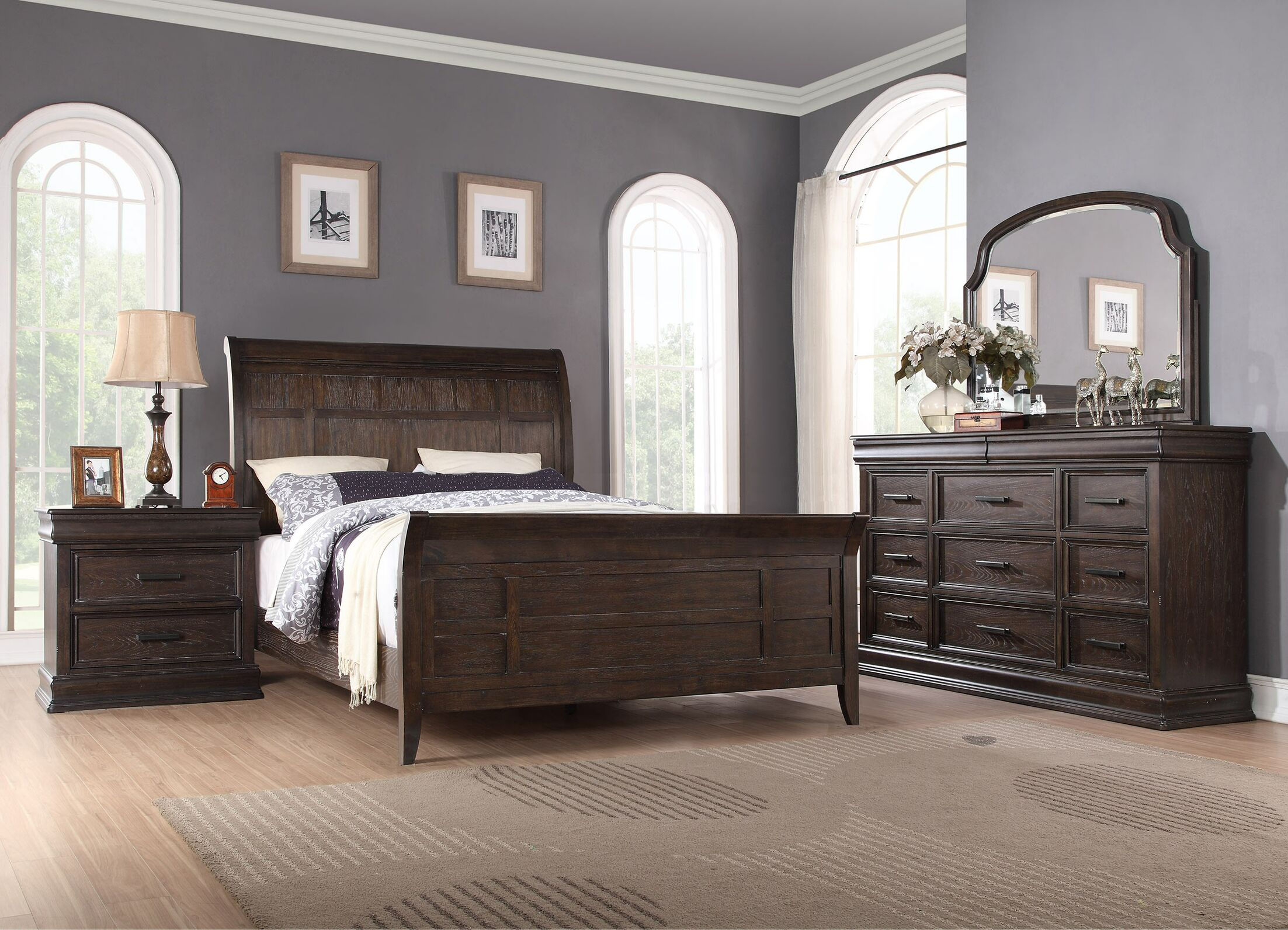 Fortunat Sleigh Bed Size: Queen
