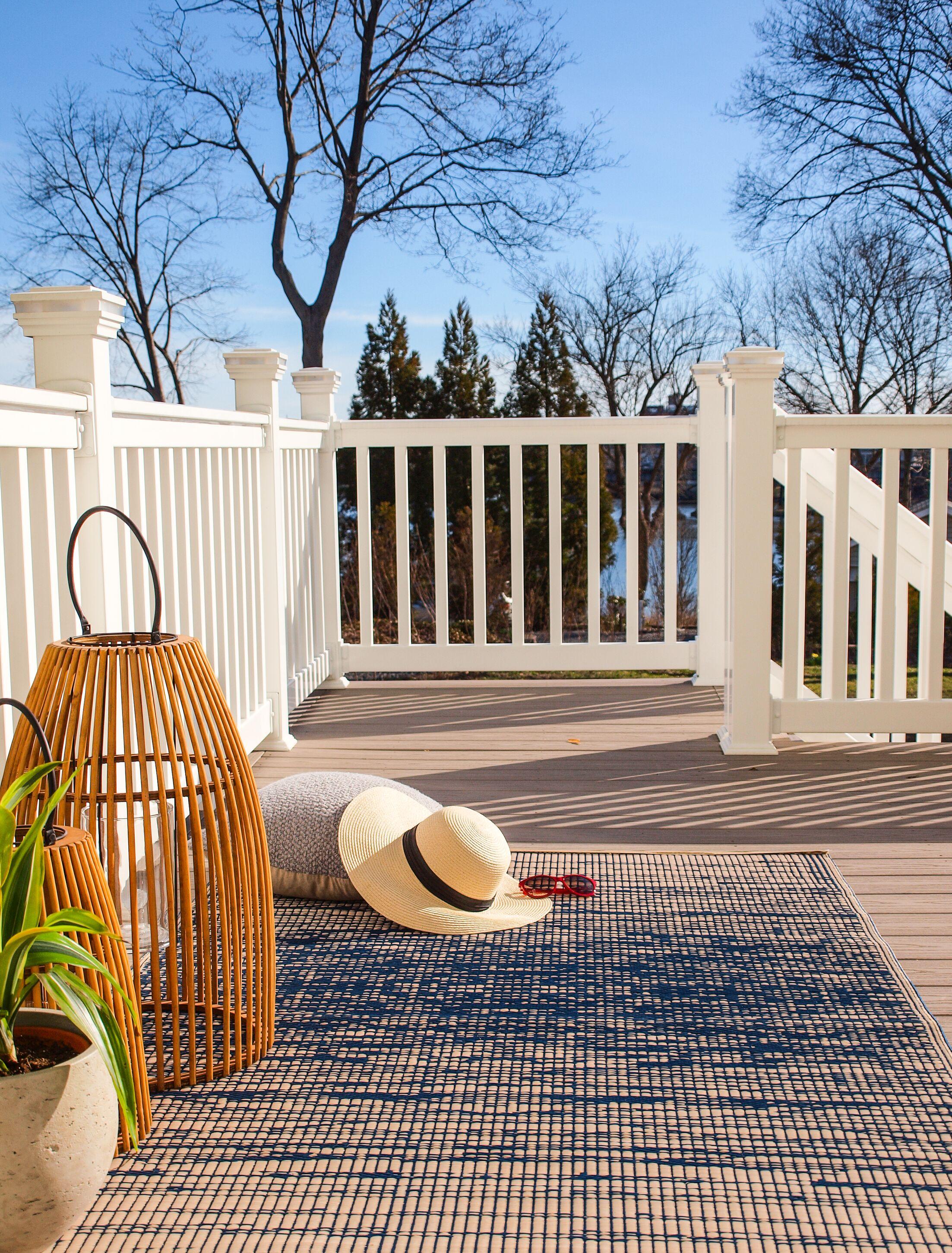 Marianne Blue Indoor/Outdoor Area Rug Rug Size: Rectangle 5' x 8'