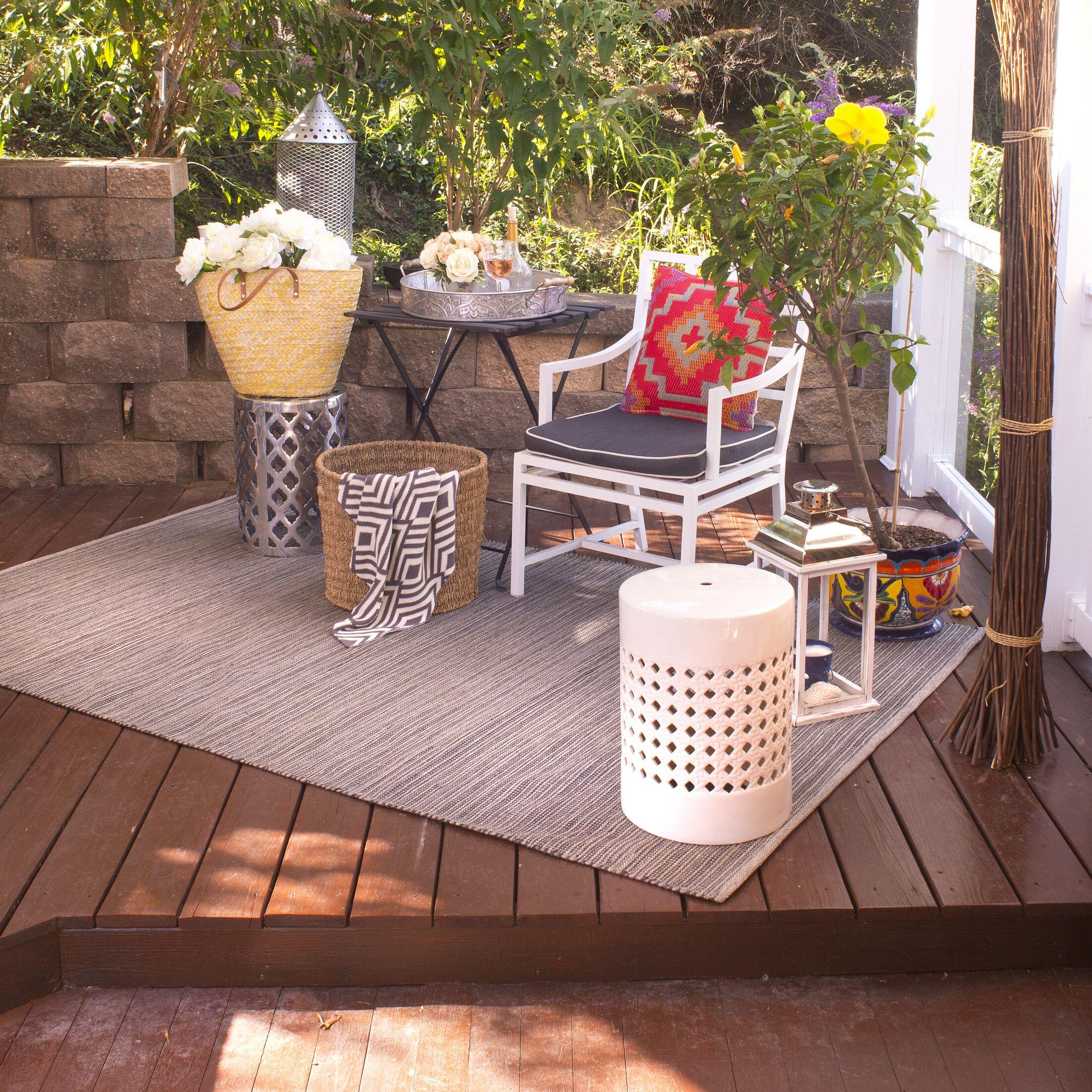 Estate Hand-Woven Gray Indoor/Outdoor Area Rug Rug Size: 4' x 6'