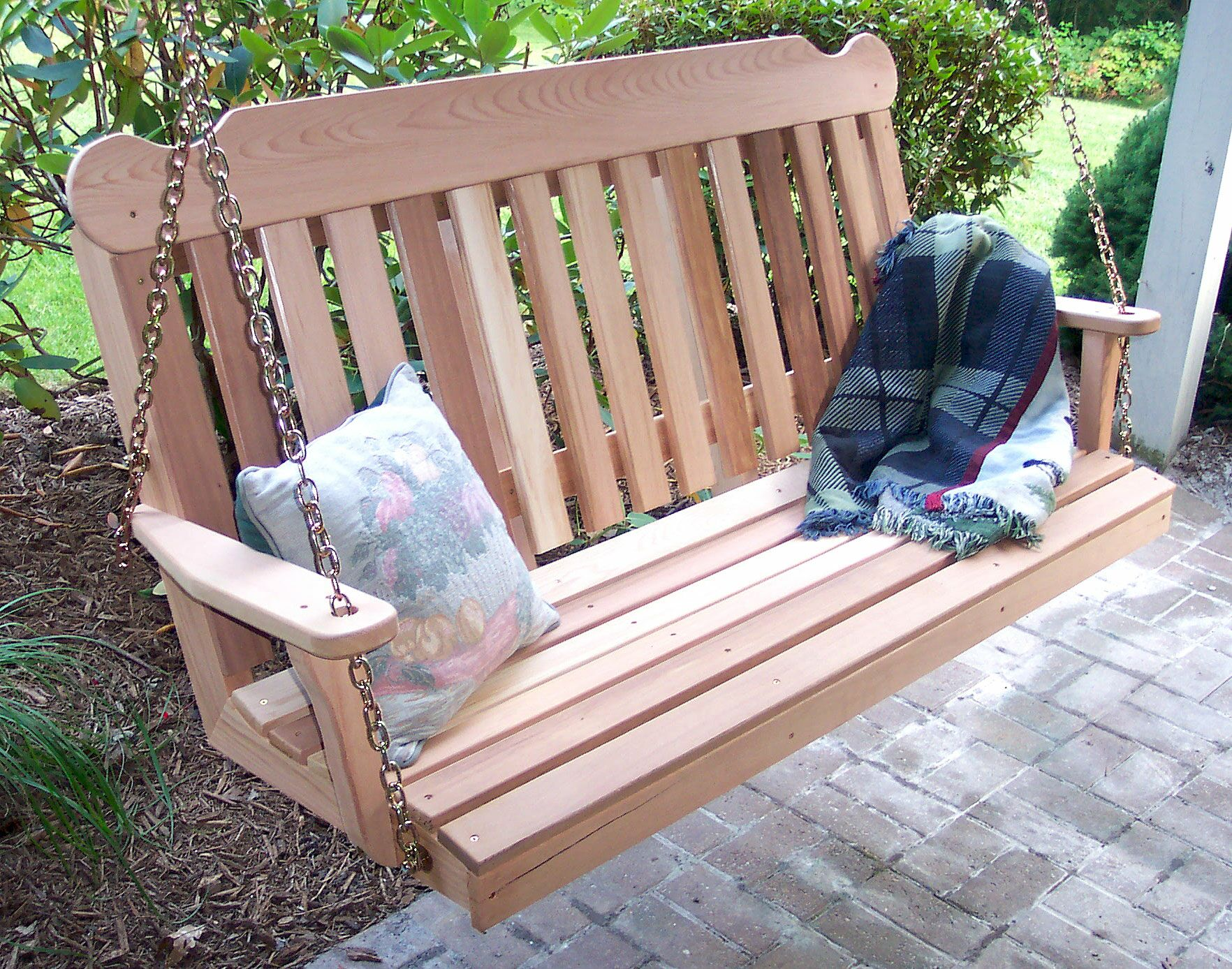 Cedar Porch Swing Size: 6' W, Finish: No Finish