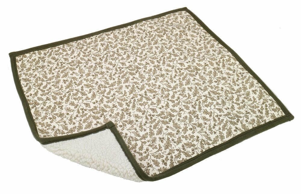 Sleeper Dog Mat Size: Medium (40