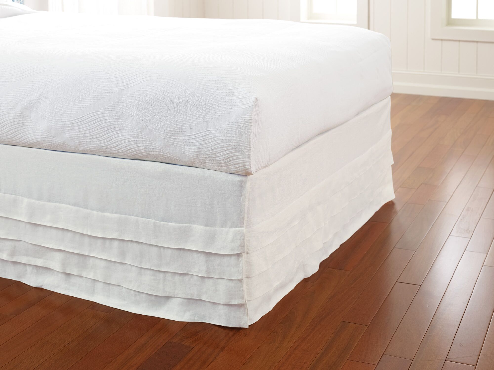 Waterfall Panel Bed Skirt Size: King, Color: White