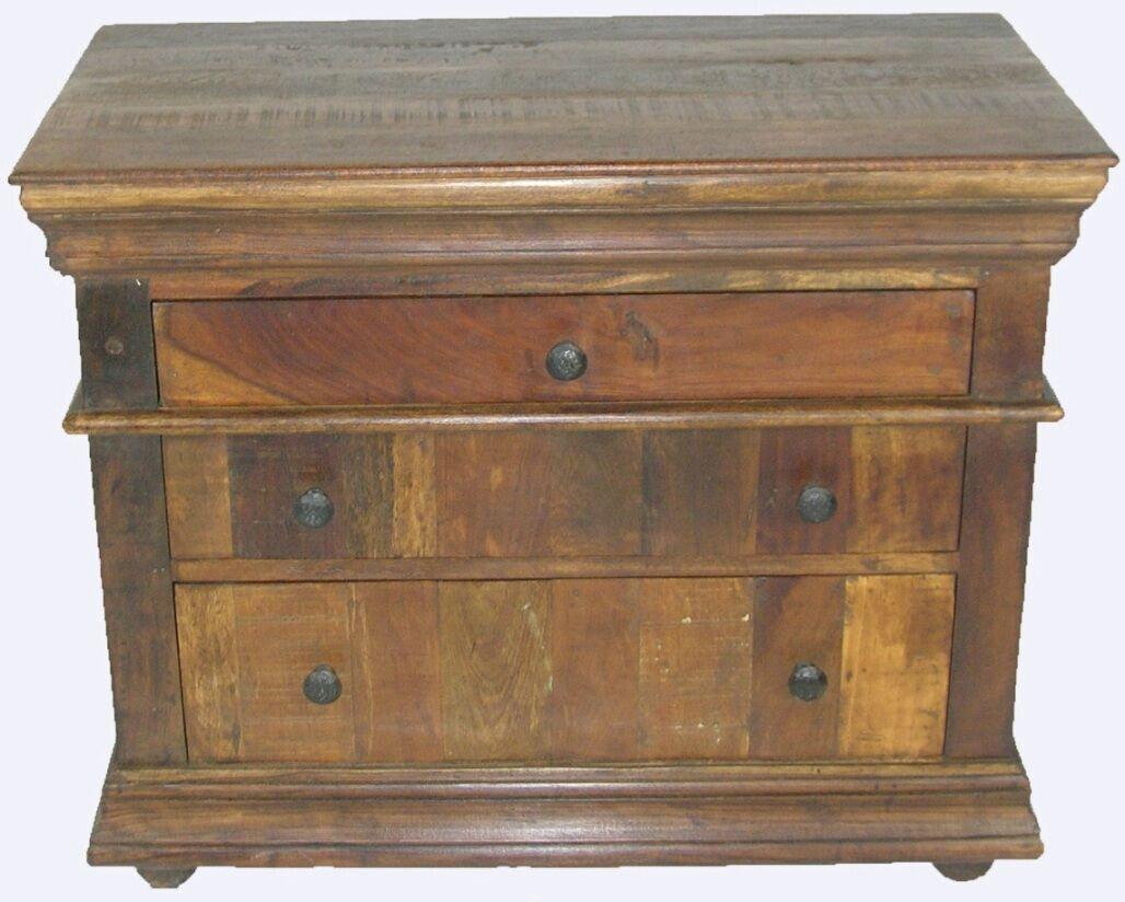 Sheehan 3 Drawer Bachelor's Chest