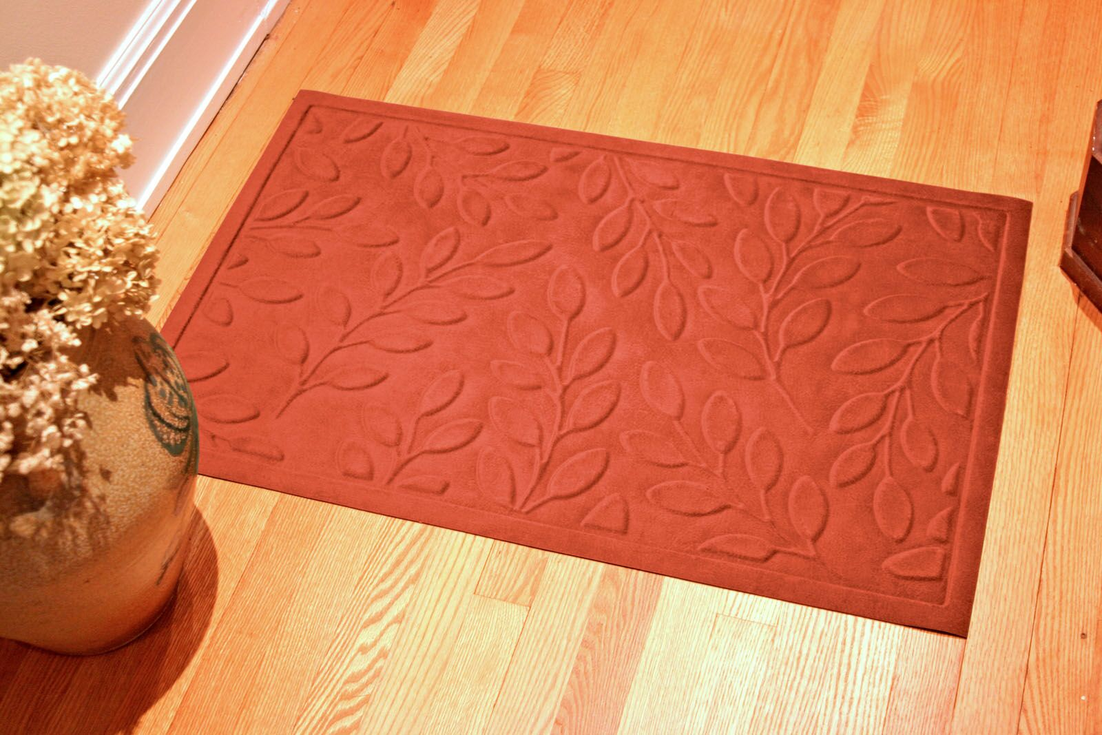 Soft Impressions Britney Leaf Doormat Color: Pepper, Mat Size: Rectangle 3' x 5'